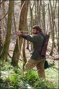 http://www.merlinarcherycentre.co.uk/general_images/traditionalarcher.jpg